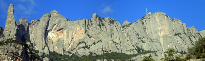 La vessant nord de Montserrat, on el massís es mostra més imponent