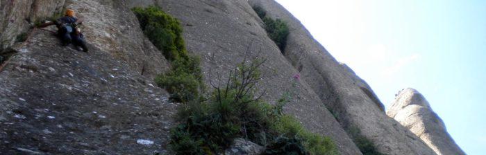 Primera tirada, a l'ombra de la soberga Muralla Nord d'Agulles