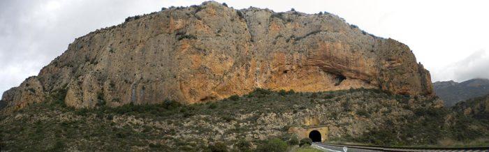 A l'extrem est de la Paret de la Formiguera trobem la via Catefer
