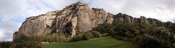 Al Roc de Benavent, entre conreus, es respira calma
