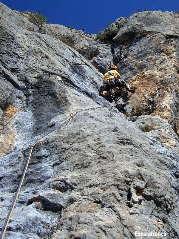 La fissura permet fer uns passos en bavaresa