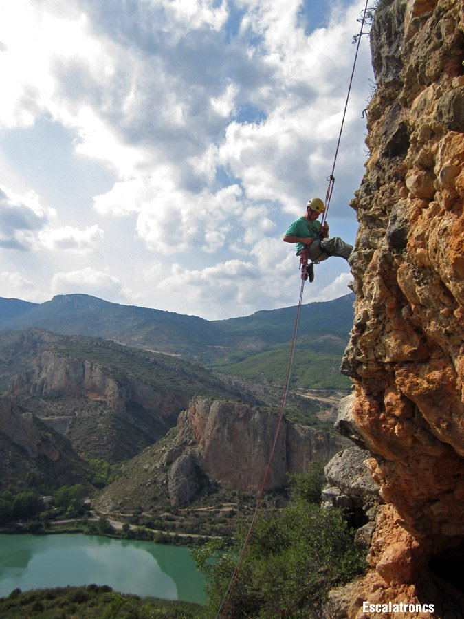 Per baixar del Torreó final ho farem amb un ràpel de 20 metres (Foto: Jose V.)
