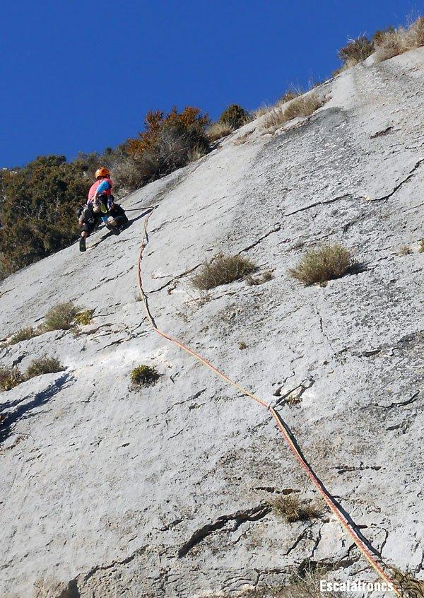 Cinquè llarg: 60 metres d'adherència (Foto: Cesc R.)